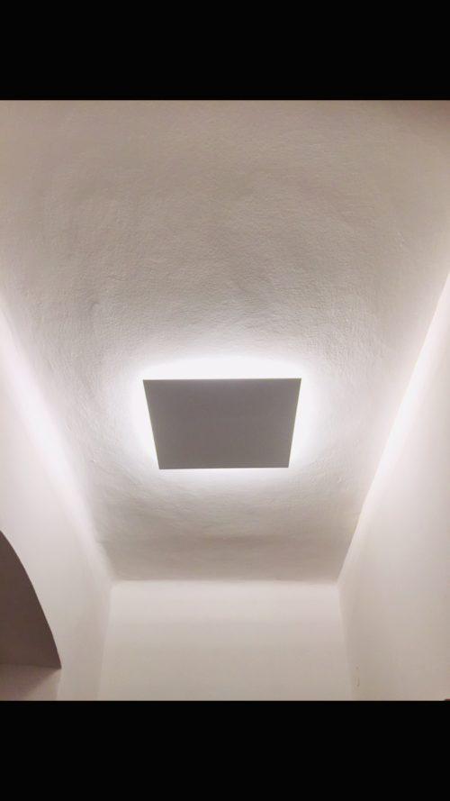 Indirekte Deckenlampe SINA, LED Deckenlampe, LED, außergewöhnliches Design, edle Leuchten, dezente Leuchten, exquisite Leuchten, Designerlampe, dezente Lampe, Lampe mit schönem Design, weiße Lampe, schöne Lampen, Wohnzimmerlampe, Deckenlampe, Lampe für Schlafzimmer, interior Design, Handarbeit, Austria, upcycling lampe, ApollonLUX